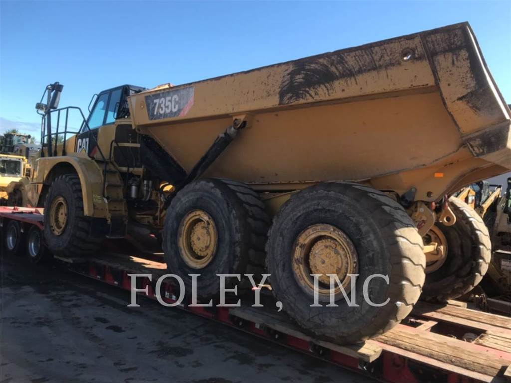 Caterpillar 735C、铰接式自卸车、建筑设备