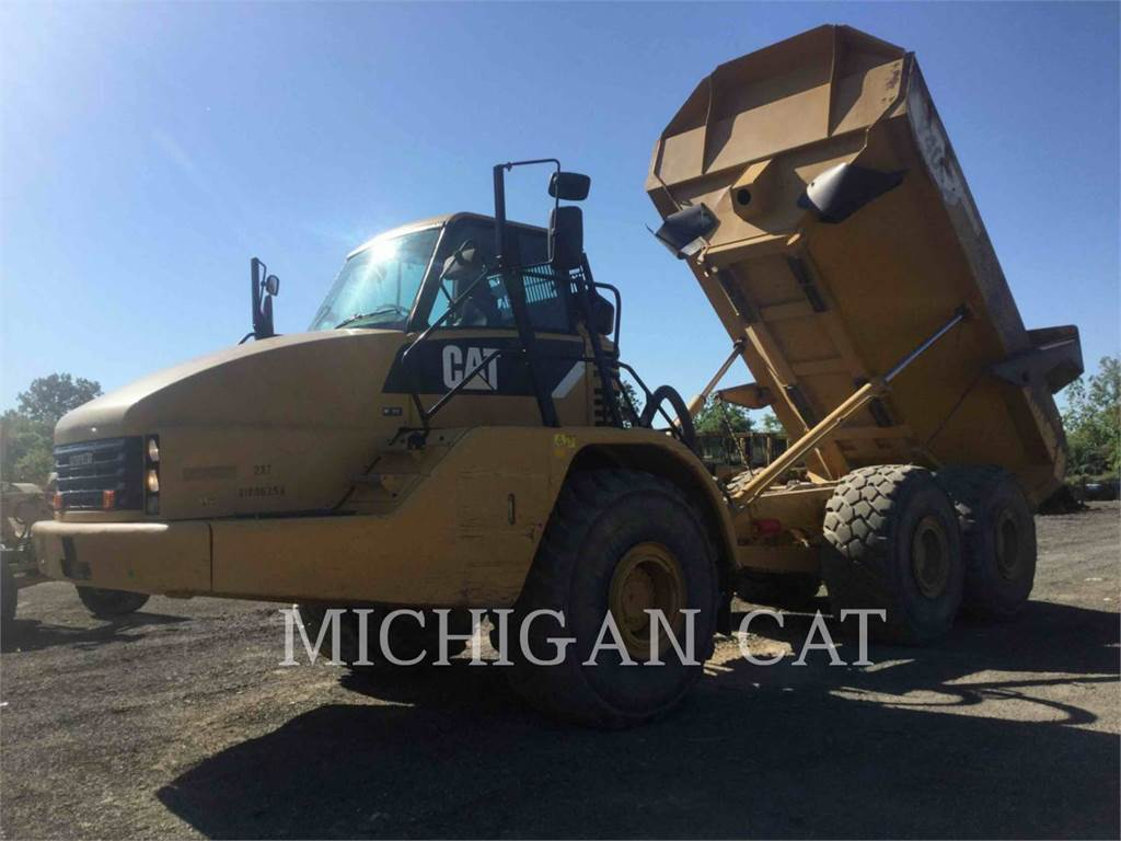 Caterpillar 740 T, Transportoare articulate, Constructii