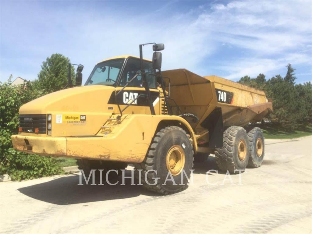 Caterpillar 740 T, Dúmpers articulados, Construcción