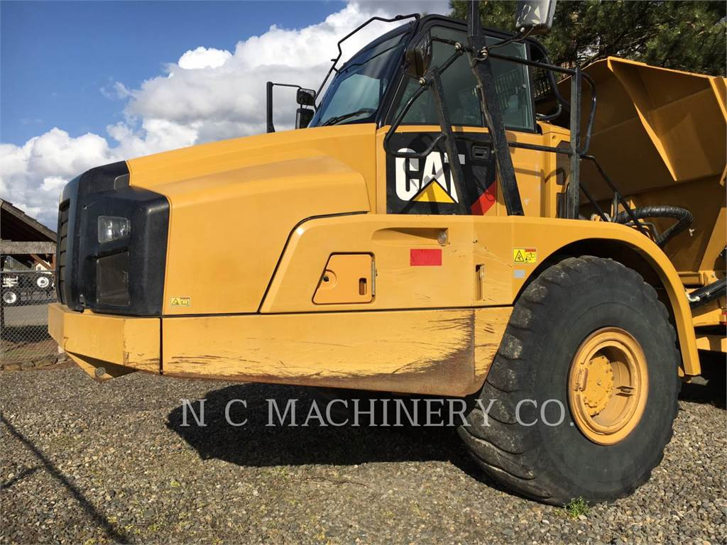 Caterpillar 740B、铰接式自卸车、建筑设备