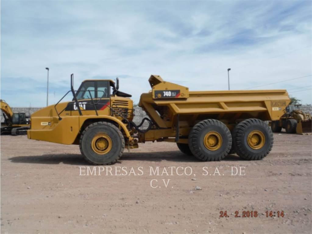 Caterpillar 740EJ、アーティキュレート式ダンプトラック、建設