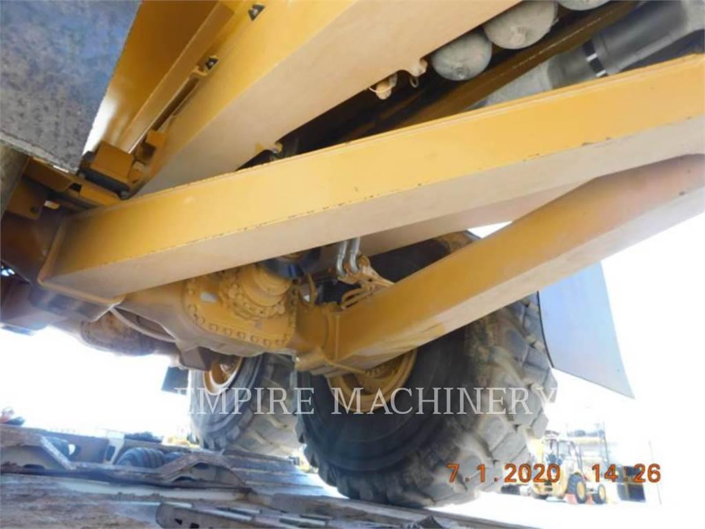 Caterpillar 745-04, Dúmpers articulados, Construcción
