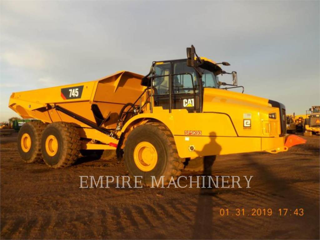Caterpillar 745-04, Transportoare articulate, Constructii