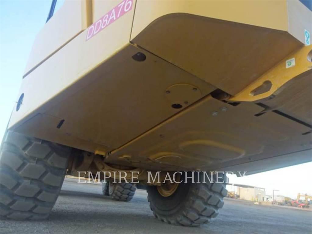 Caterpillar 745-04、铰接式自卸车、建筑设备