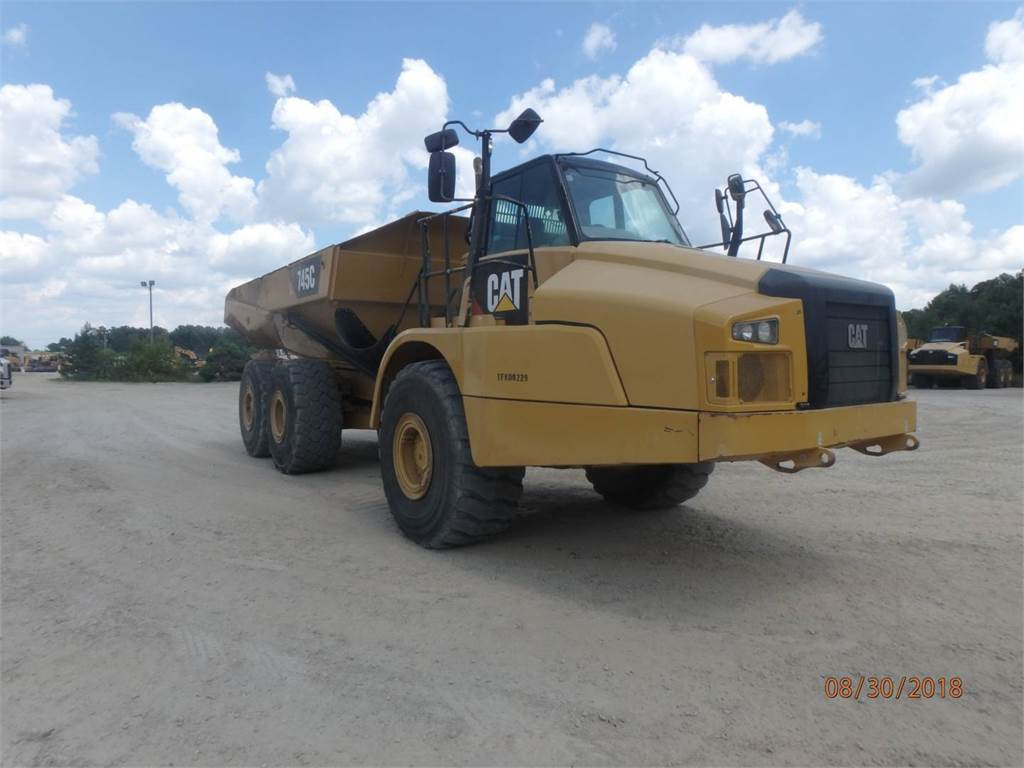 Caterpillar 745 C, Knik dumptrucks, Bouw
