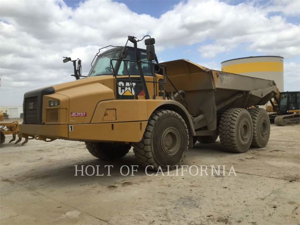 Caterpillar 745C, Dúmpers articulados, Construcción