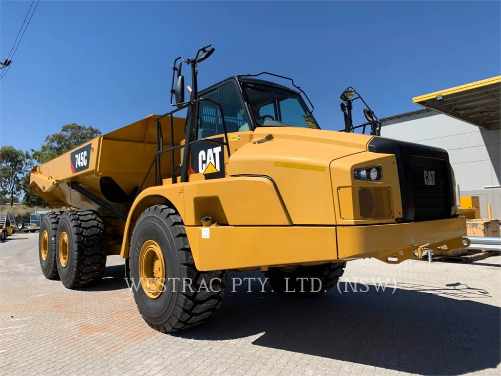 Caterpillar 745C, Knik dumptrucks, Bouw