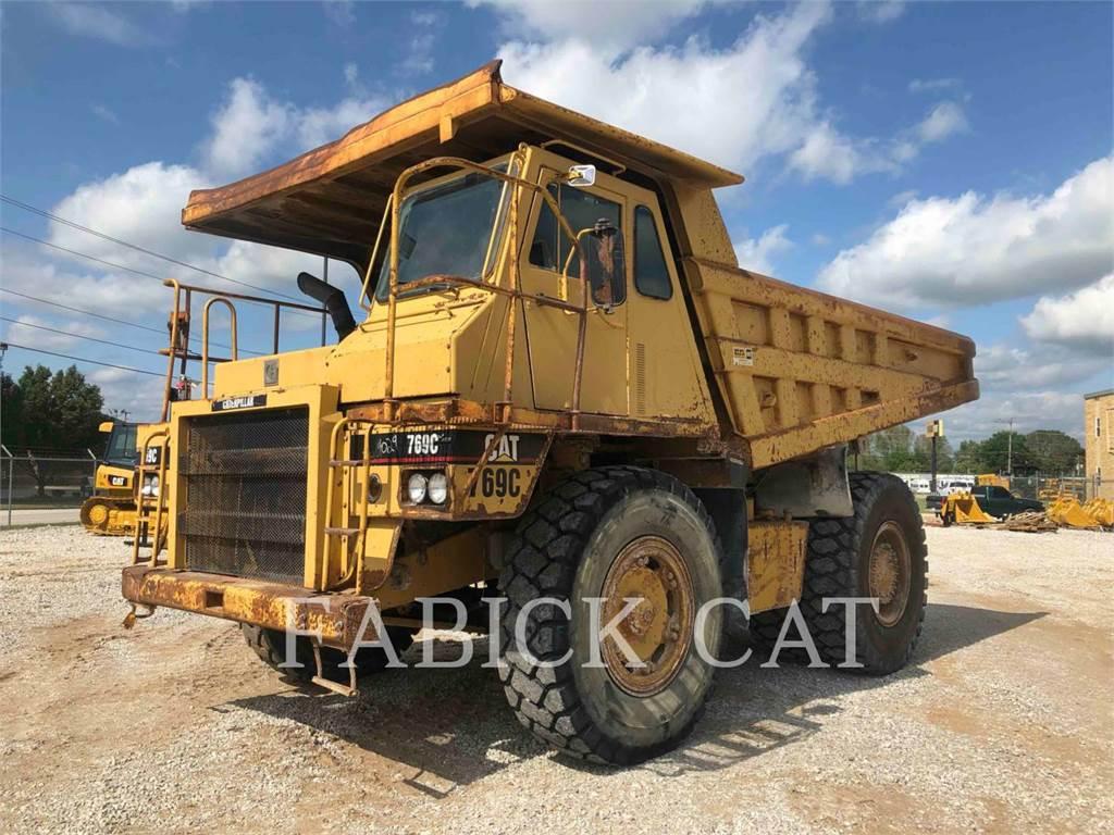 Caterpillar 769C, on highway trucks, Transport