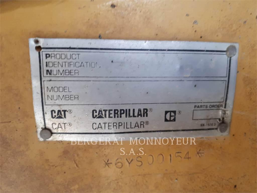 Caterpillar 771D, Knik dumptrucks, Bouw