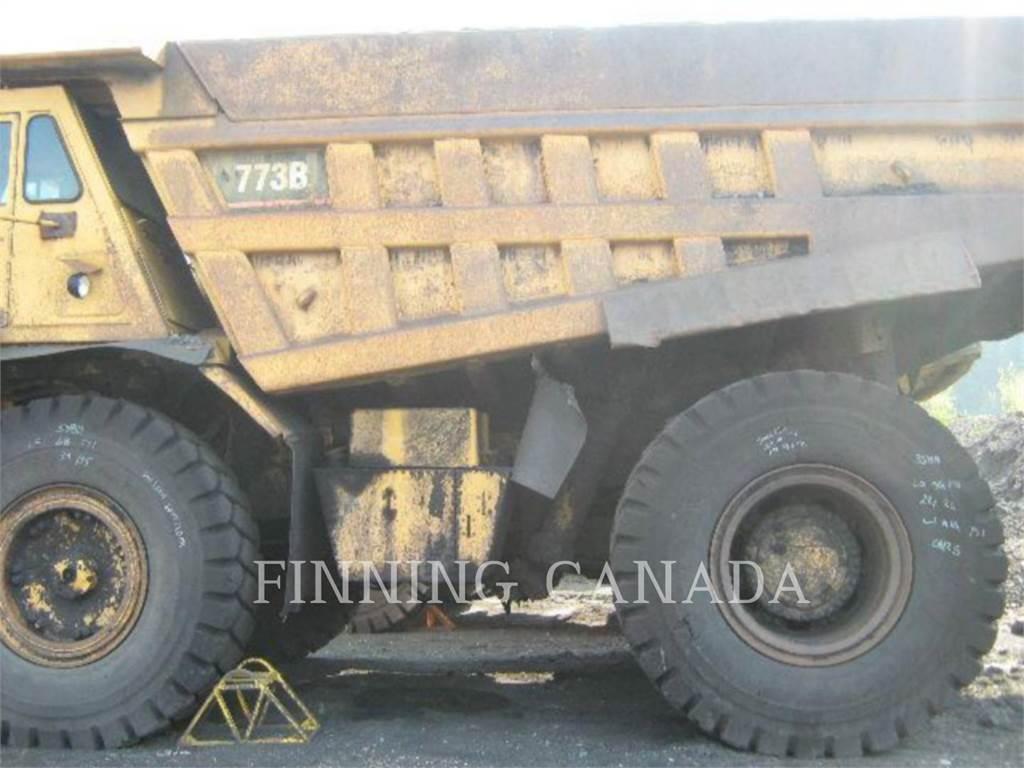 Caterpillar 773B、アーティキュレート式ダンプトラック、建設