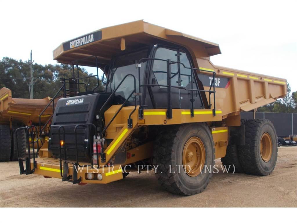 Caterpillar 773F、アーティキュレート式ダンプトラック、建設