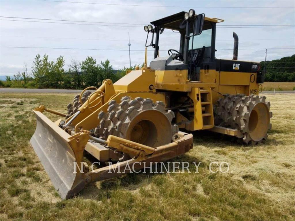 Caterpillar 815, Asfaltadoras, Construcción