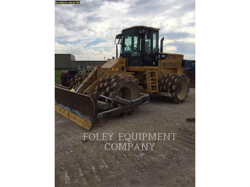 Caterpillar 815F2, Compactadores, Construcción