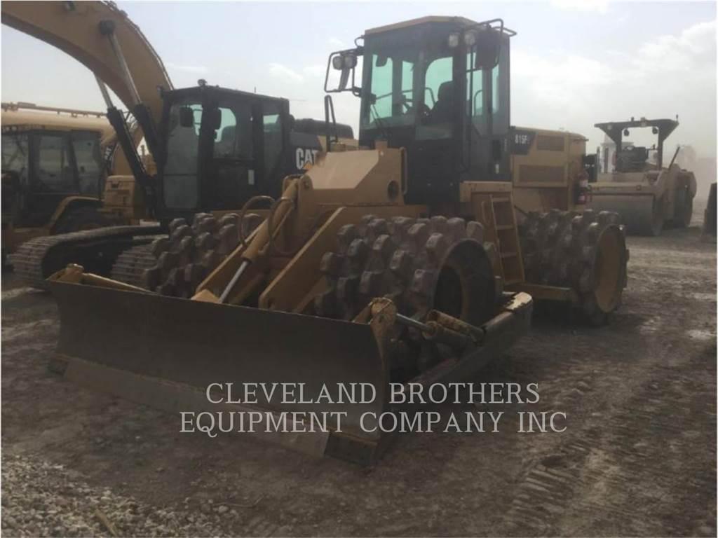 Caterpillar 815FII, Compactadoras de residuos, Construcción
