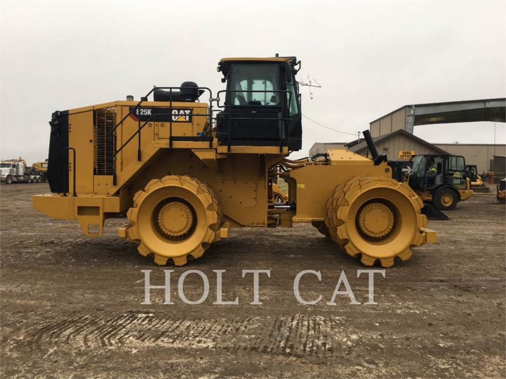 Caterpillar 825K, Compactors, Bouw