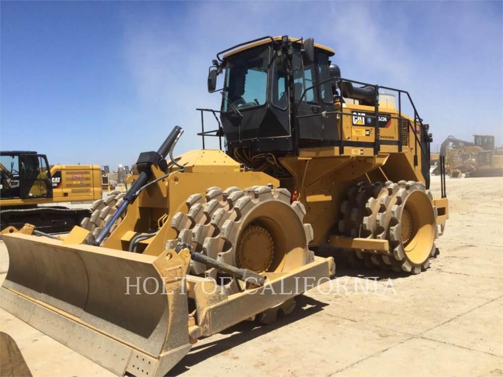 Caterpillar 825K, Compactadores, Construcción