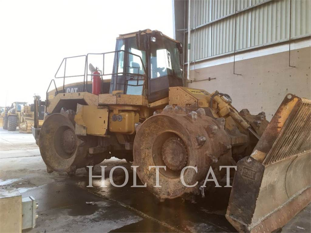 Caterpillar 826G, Waste Compactors, Construction