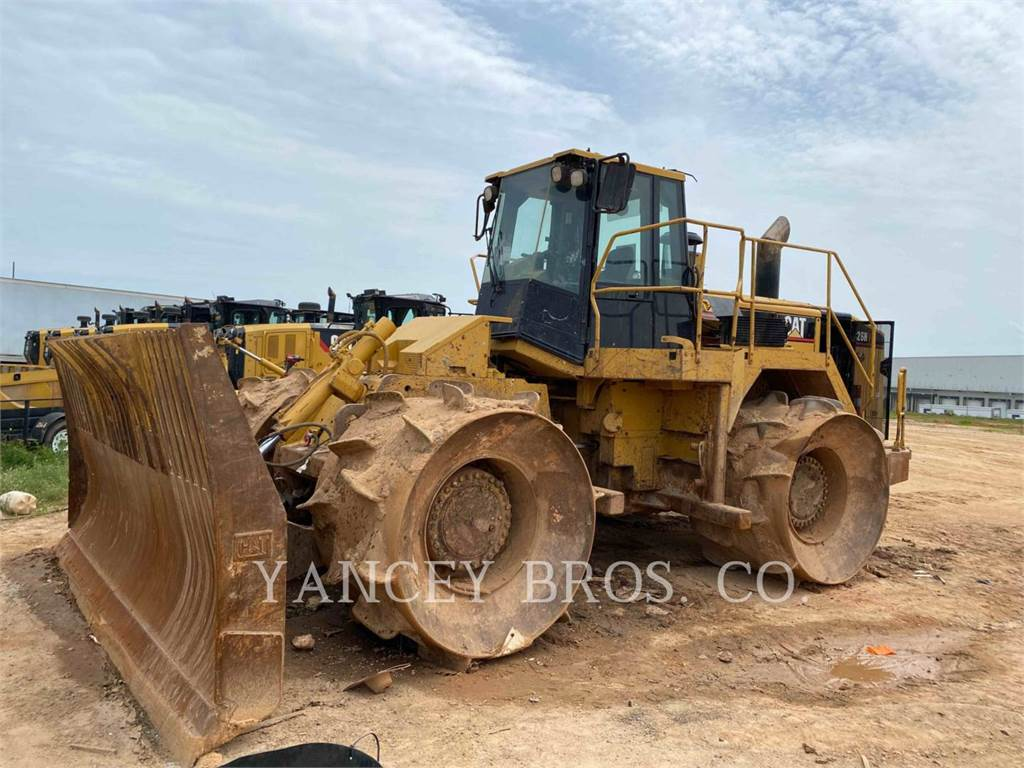 Caterpillar 826H, Waste Compactors, Construction