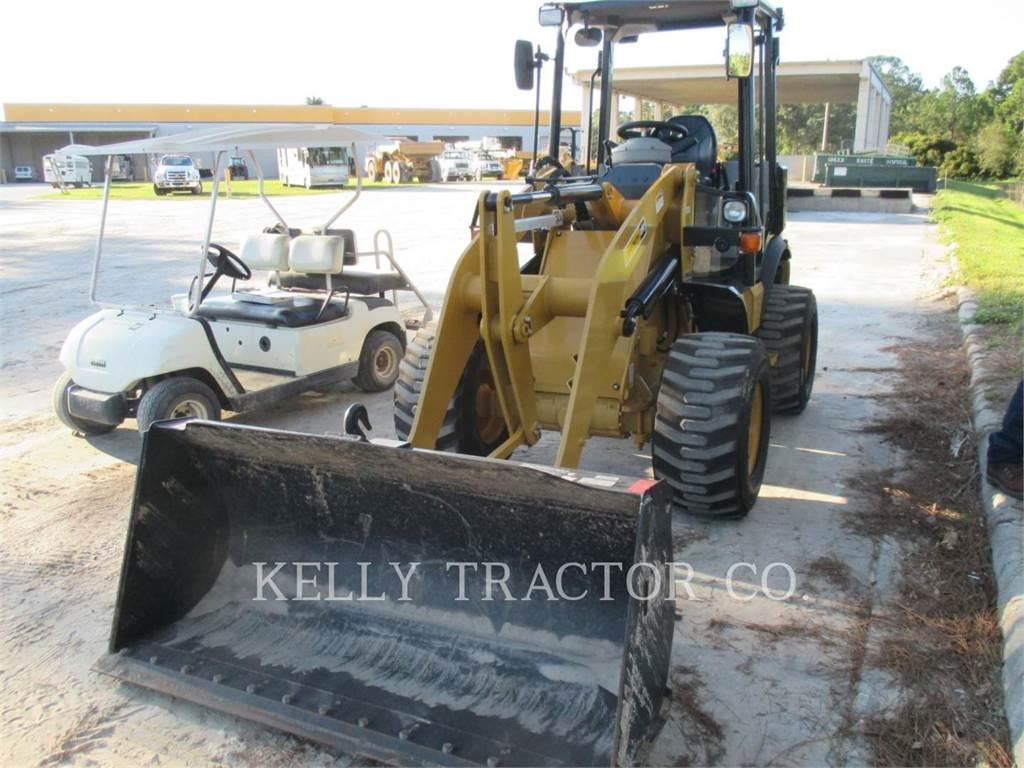 Caterpillar 903C, Cargadoras sobre ruedas, Construcción