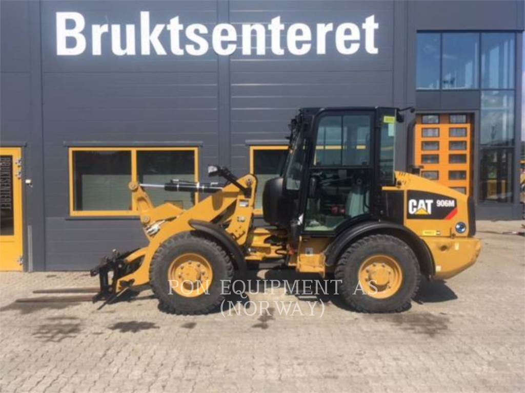 Caterpillar 906M, track loaders, Construction