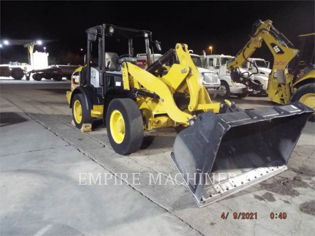 Caterpillar 906M、轮式装载机、建筑设备