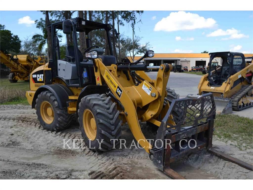 Caterpillar 908M, Chargeuse sur pneus, Équipement De Construction