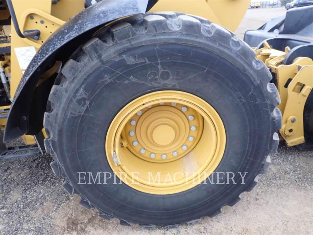 Caterpillar 938M, Cargadoras sobre ruedas, Construcción