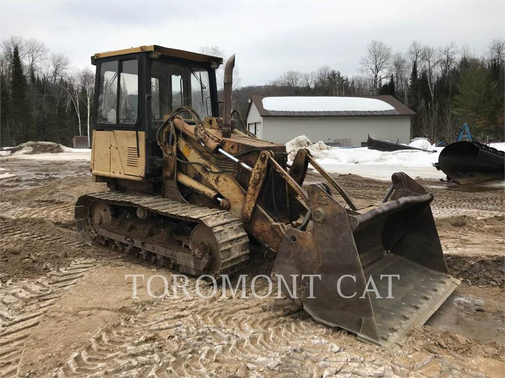 Caterpillar 939, track loaders, Construction
