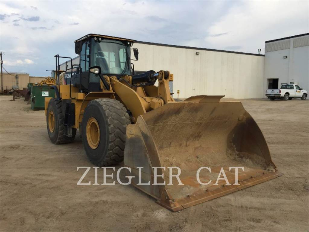 Caterpillar 972M, Incarcator pe pneuri, Constructii