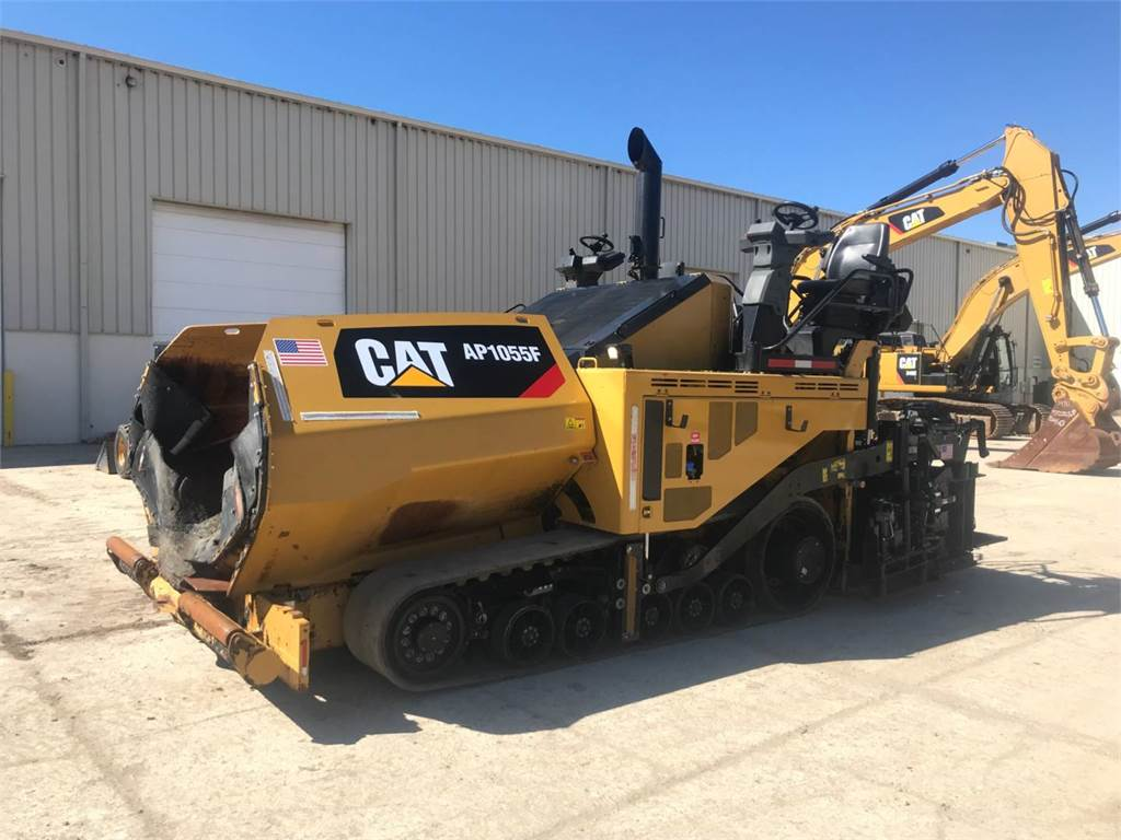 Caterpillar AP 1055 F, Asphalt pavers, Construction