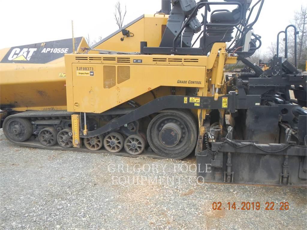 Caterpillar AP-1055E, Rozściełacze do asfaltu, Sprzęt budowlany