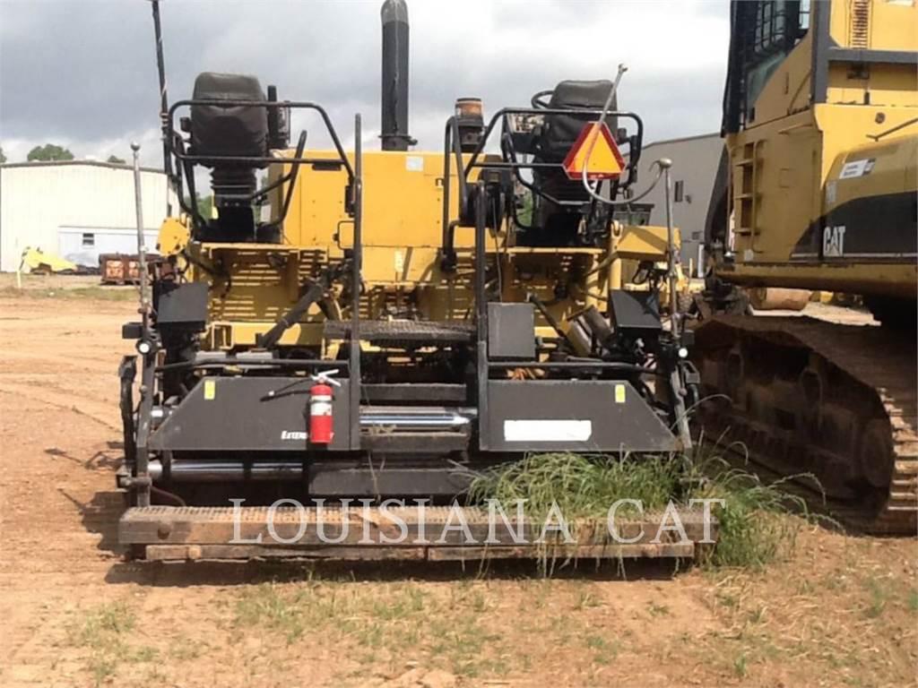 Caterpillar AP-1055E, Asfaltadoras, Construcción