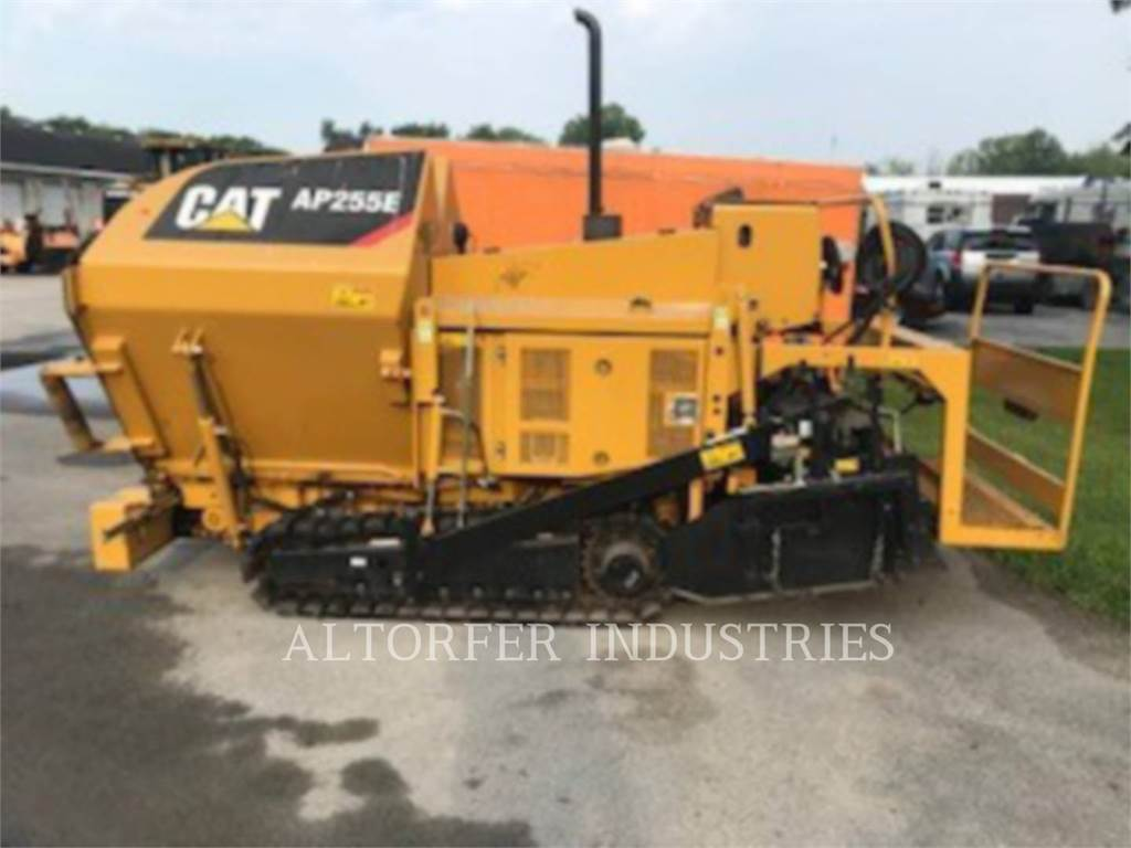 Caterpillar AP-255E, Strassenfertiger, Bau-Und Bergbauausrüstung
