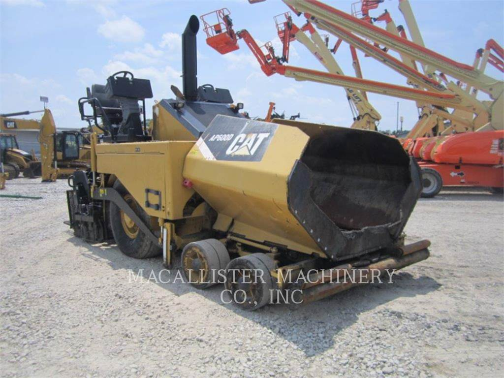 Caterpillar AP-600D, Asphalt pavers, Construction