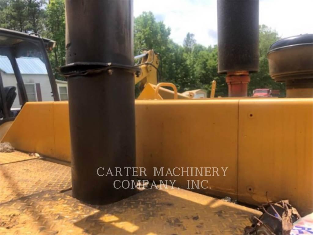 Caterpillar AP-800C, Asphalt pavers, Construction