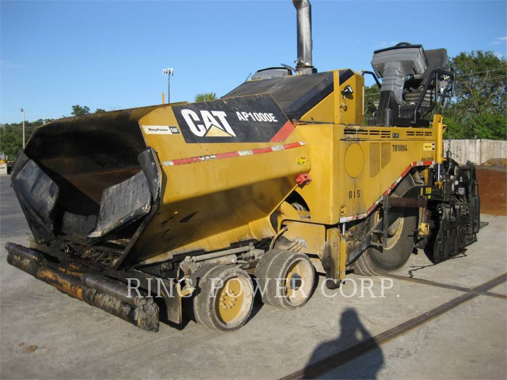 Caterpillar AP1000E, Asphalt pavers, Construction