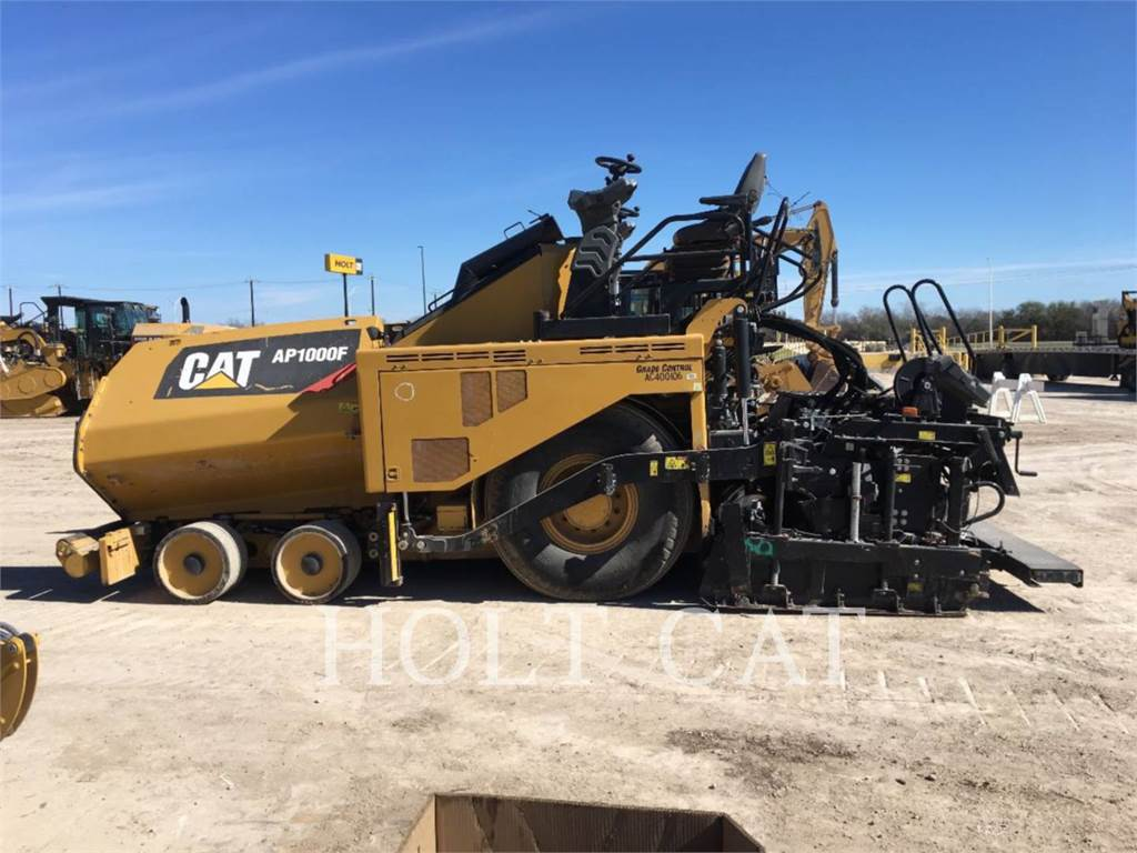 Caterpillar AP1000F, Asphalt pavers, Construction