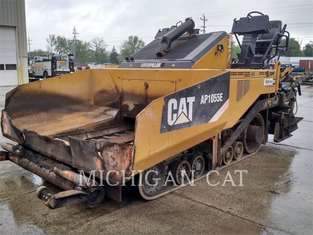Caterpillar AP1055E, Asphalt pavers, Construction