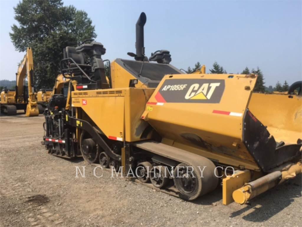 Caterpillar AP1055F、アスファルトフィニッシャ、建設