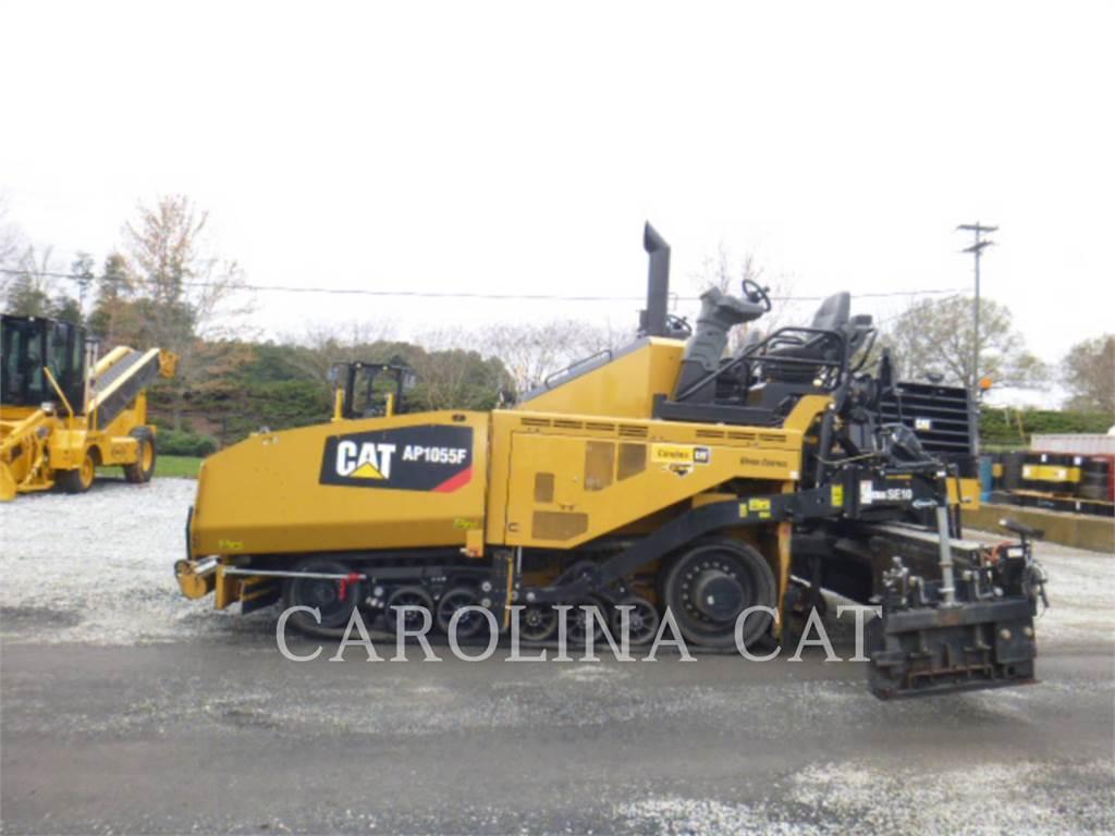Caterpillar AP1055F, Asfaltadoras, Construcción