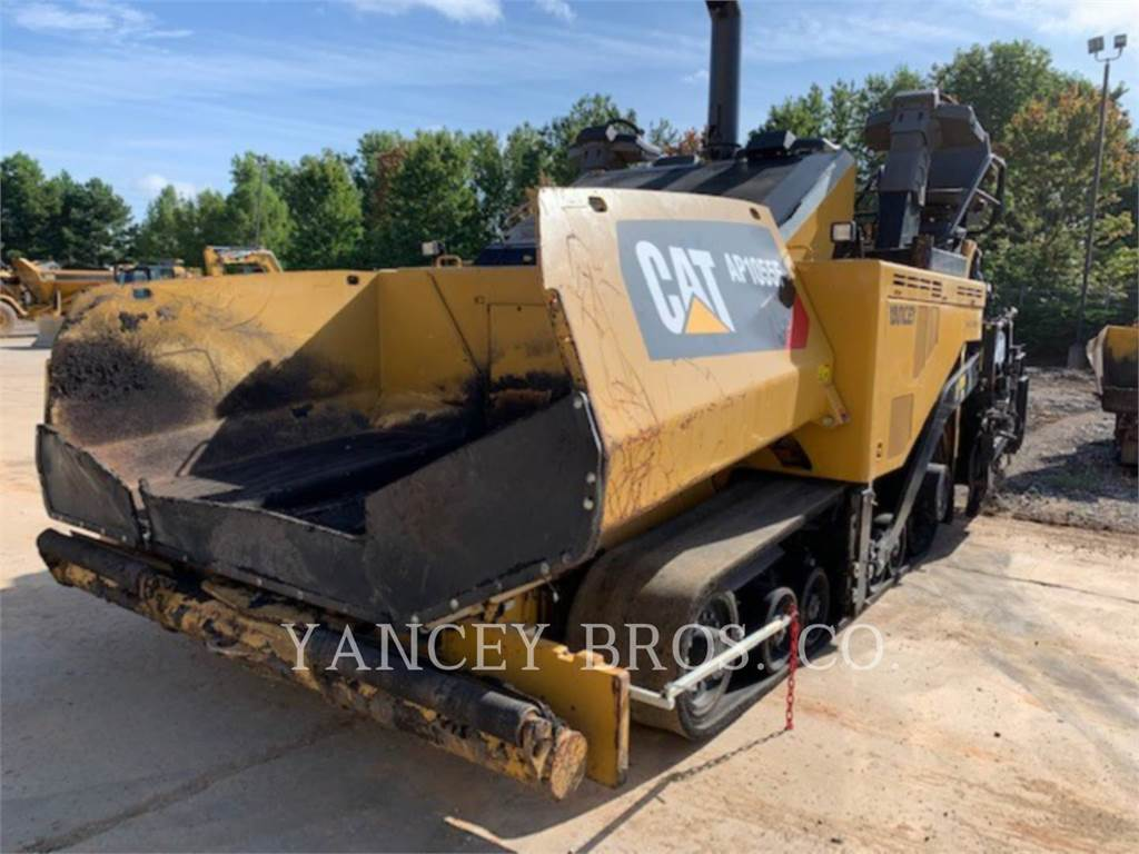 Caterpillar AP1055F, Asphalt pavers, Construction