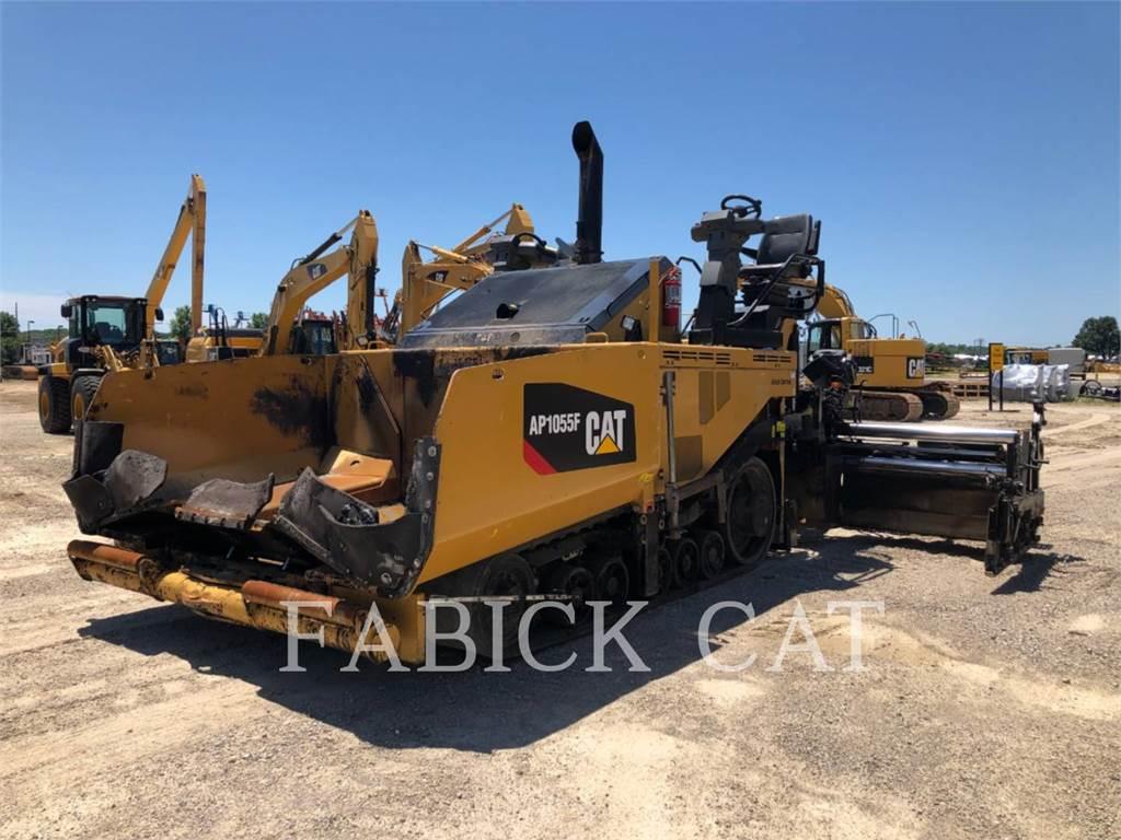 Caterpillar AP1055F, Pavatoare asfalt, Constructii