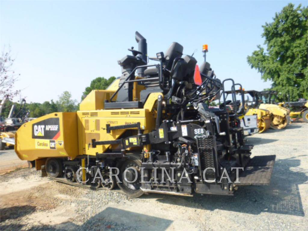 Caterpillar AP555F, Asfaltafwerkmachines, Bouw