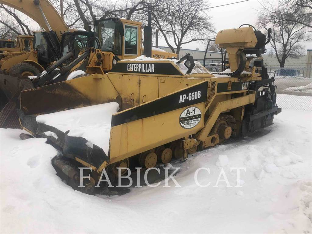Caterpillar AP650B, Asphalt pavers, Construction