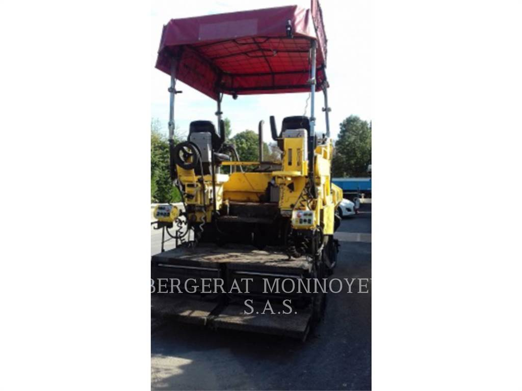 Caterpillar BB730, Asphalt pavers, Construction