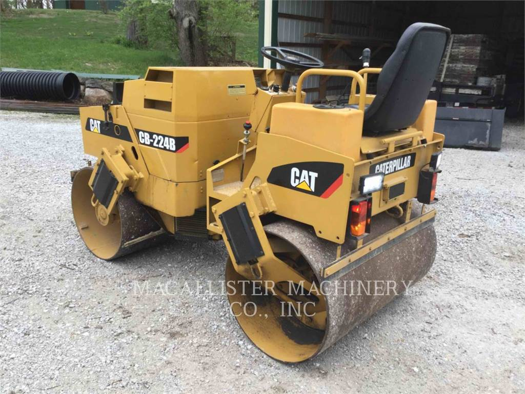 Caterpillar CB-224, Twin drum rollers, Construction