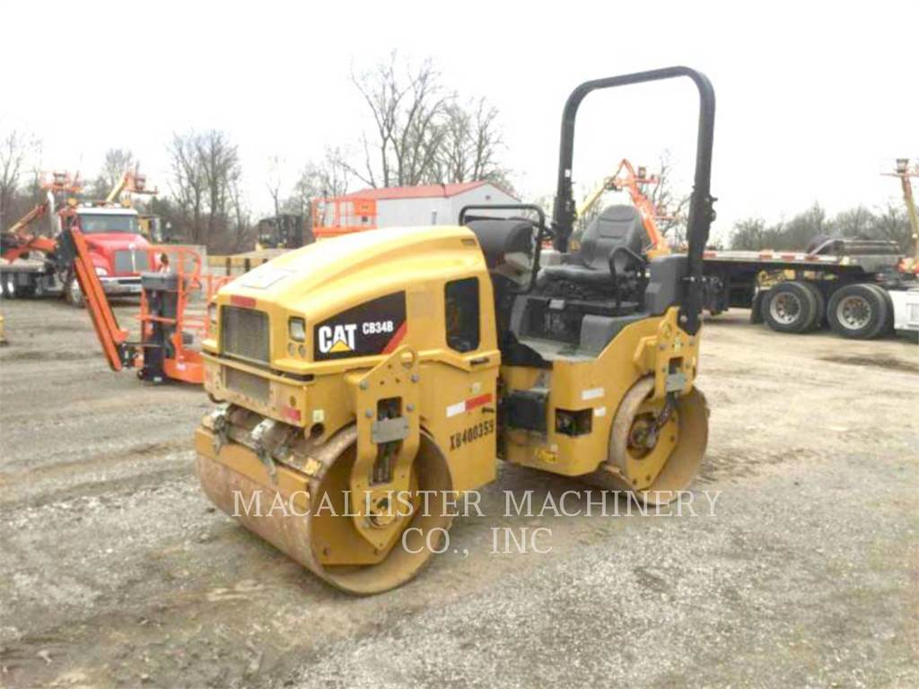 Caterpillar CB 34 B, Twin drum rollers, Construction