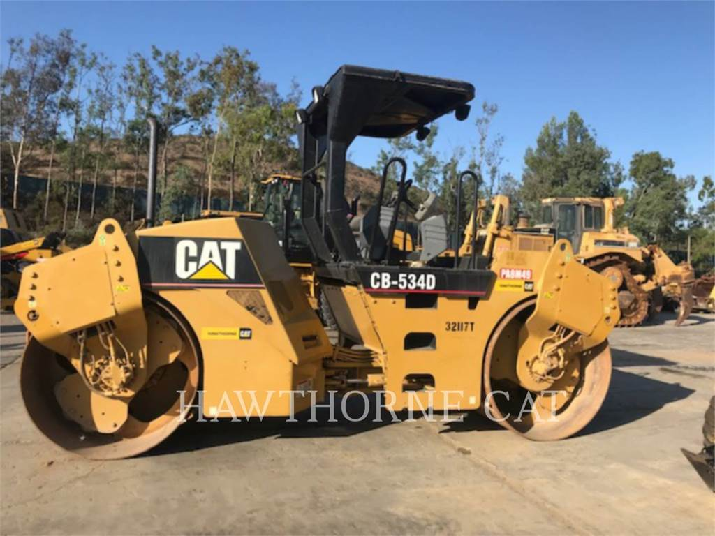 Caterpillar CB-534D, Twin drum rollers, Construction