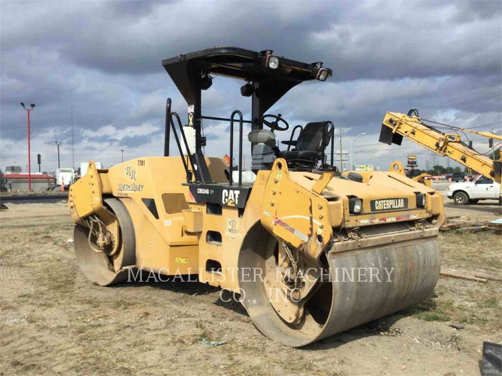 Caterpillar CB-534DXW, Twin drum rollers, Construction