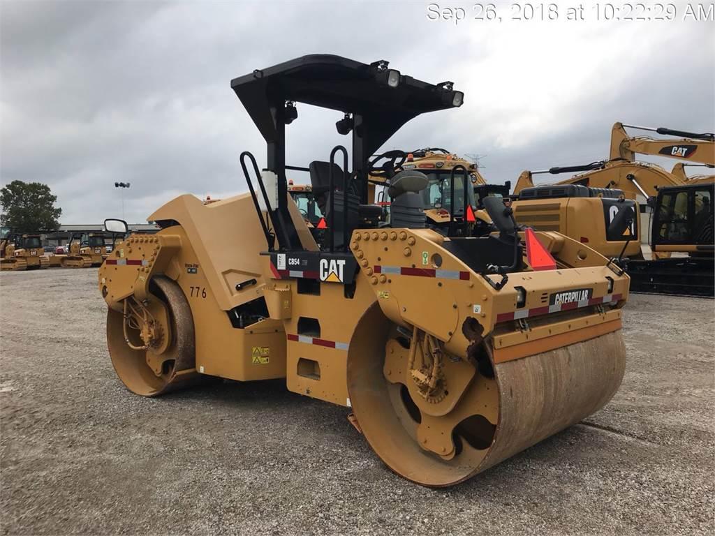 Caterpillar CB 54, Twin drum rollers, Construction
